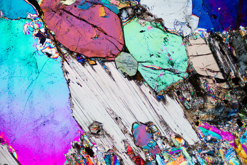 thin section with lepidolite, elbaite and quartz
