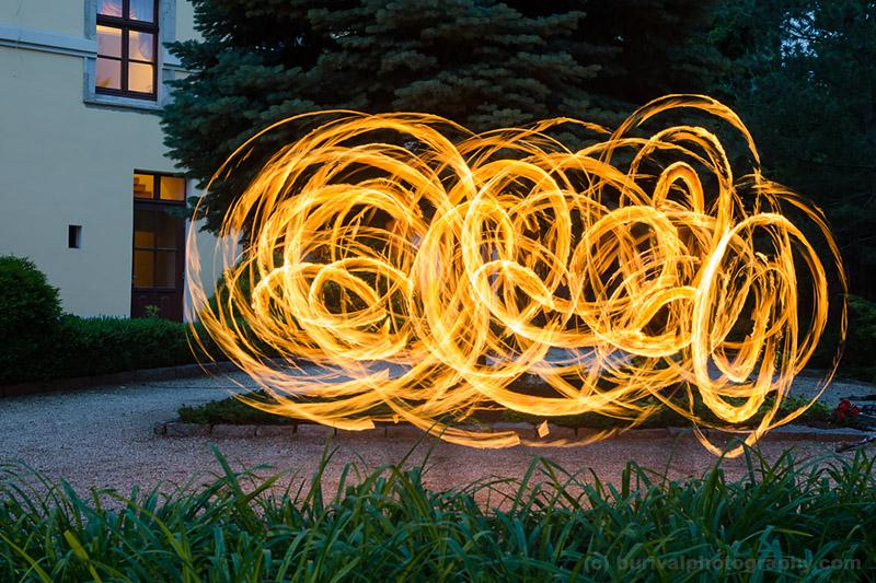 fire dansing show